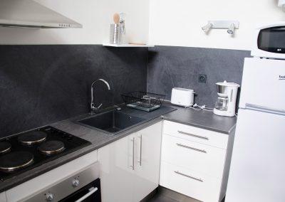 femmes-victimes-de-violences-conjugales-appartement-relais-vif-cuisine-relience-82-montauban